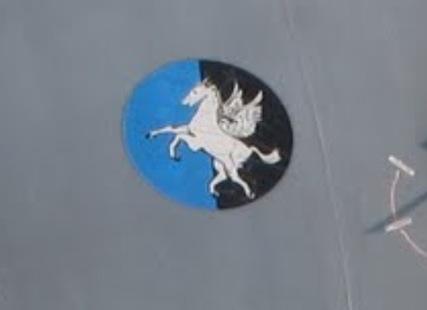 Naam: badge334 sqdr.jpg Bekeken: 167 Grootte: 29,0 KB