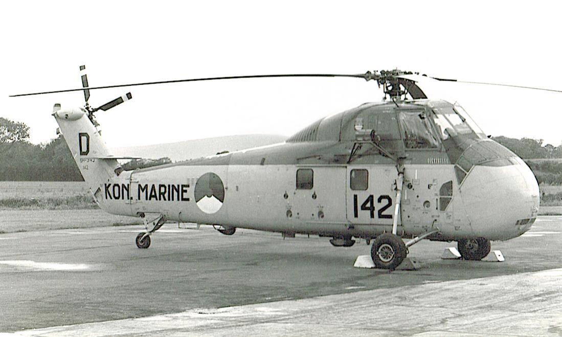 Naam: #327. '142' (eerder 'H-6'). Sikorsky SH-34J. 1100 breed.jpg Bekeken: 15 Grootte: 272,2 KB