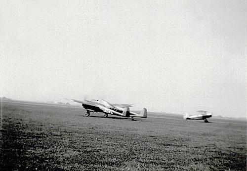 Naam: Foto 37. Tekst bij de foto. Jacht-Verkennings-Bomvliegtuig Type G.I en F.K. 43 der N.L.S. 200 d.jpeg Bekeken: 161 Grootte: 214,1 KB