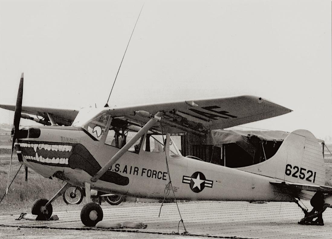 Naam: Foto 584. Cessna L-19E Bird Dog (56-2521 : MSN 23643). Redesignated O-1E in 1962, kopie 1100.jpg Bekeken: 119 Grootte: 100,5 KB