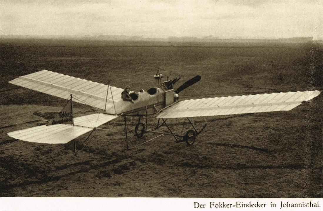 Naam: Kaart 688. Fokker te Johannisthal in een %22Spin%22-uitvoering, plm. 1912 kopie.jpg Bekeken: 521 Grootte: 145,3 KB