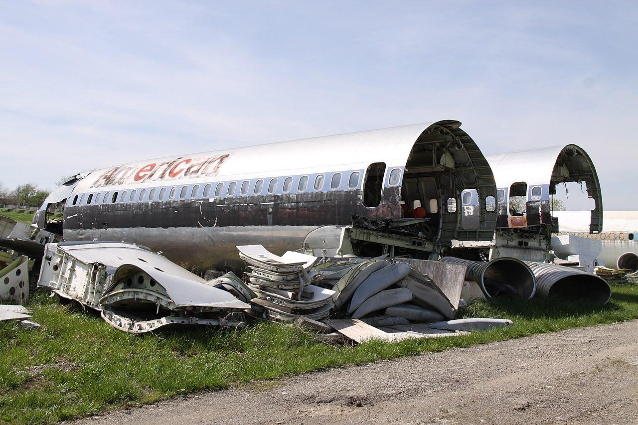 Naam: 1280px-N845AA_Boeing_727_American_(9140556517).jpg Bekeken: 229 Grootte: 283,4 KB