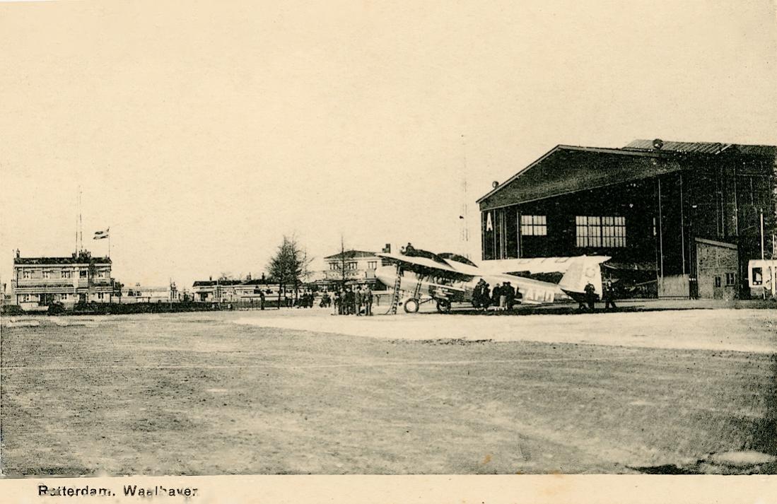 Naam: Kaart 781. Koolhoven F.K. 50 HB-AMO van Swiss Alpar op Waalhaven. 1100 breed.jpg Bekeken: 219 Grootte: 115,2 KB