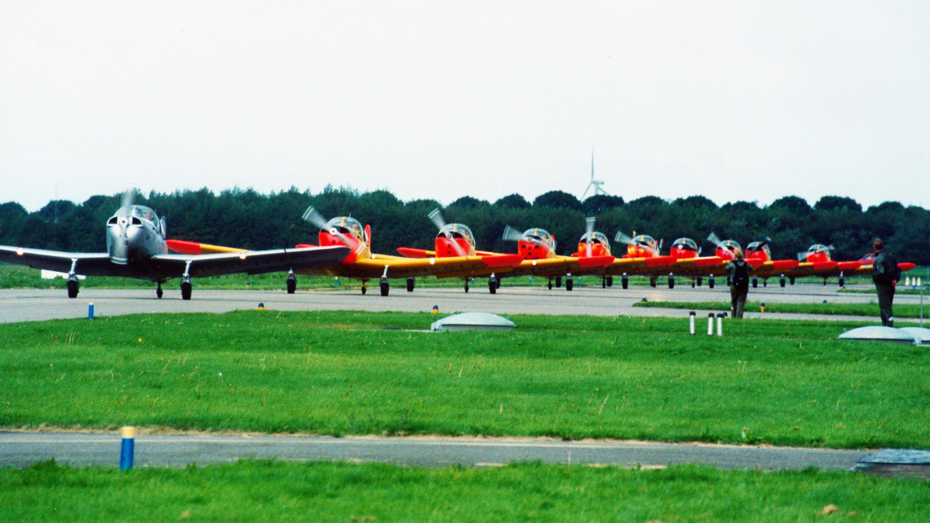 Naam: Fokker S.11 10x 1991 Lelystad.jpg Bekeken: 215 Grootte: 508,3 KB