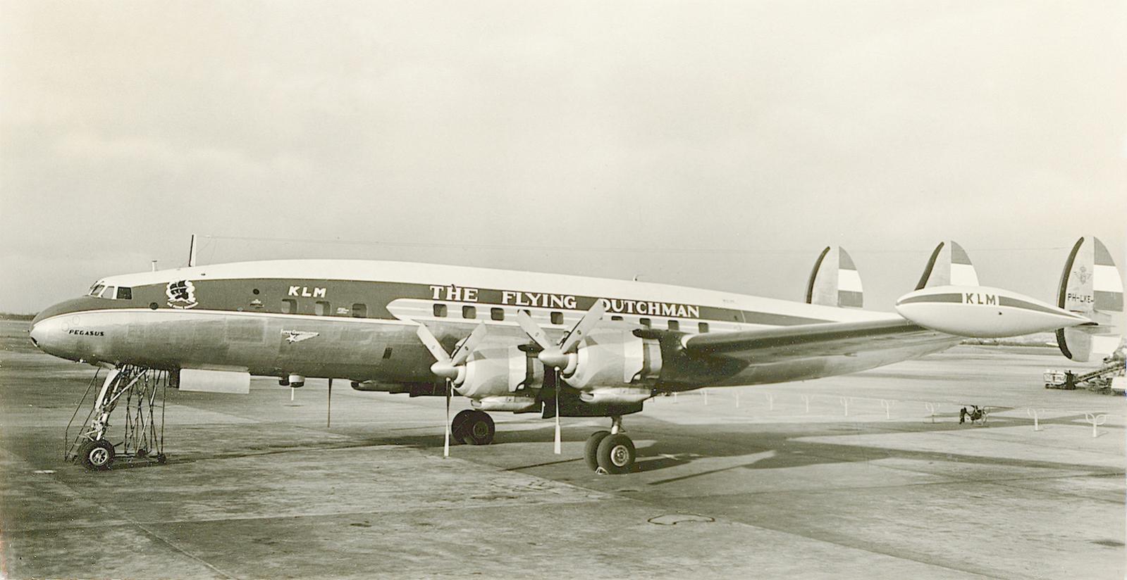 Naam: Kaart 797 (gecropt). PH-LKE 'Pegasus'. Lockheed L-1049 Super Constellation. 1600 breed.jpg Bekeken: 95 Grootte: 135,2 KB