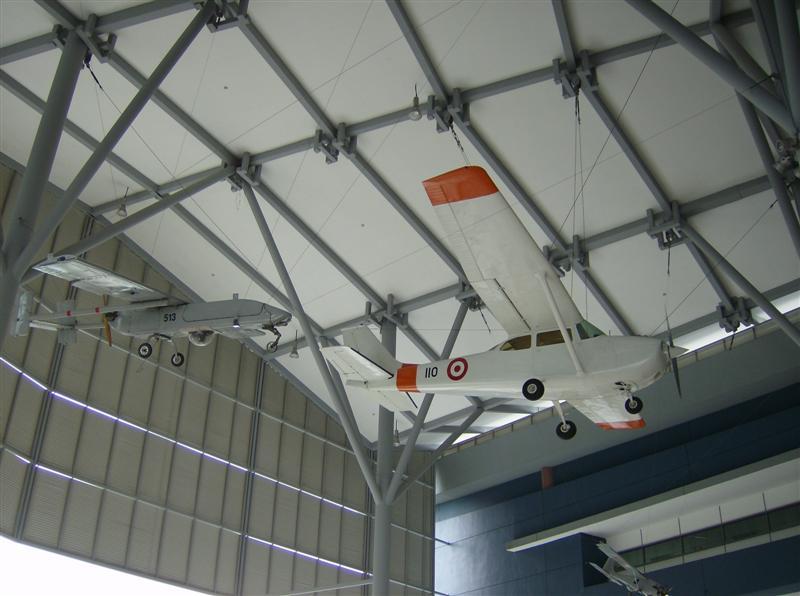 Naam: Singapore Air Force Museum at Paya Lebar 2.jpg Bekeken: 94 Grootte: 61,5 KB