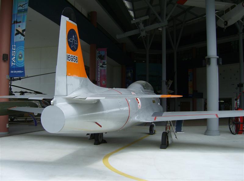Naam: Singapore Air Force Museum at Paya Lebar 9.jpg Bekeken: 80 Grootte: 48,4 KB