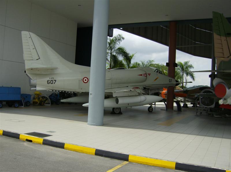 Naam: Singapore Air Force Museum at Paya Lebar 10.jpg Bekeken: 88 Grootte: 53,6 KB