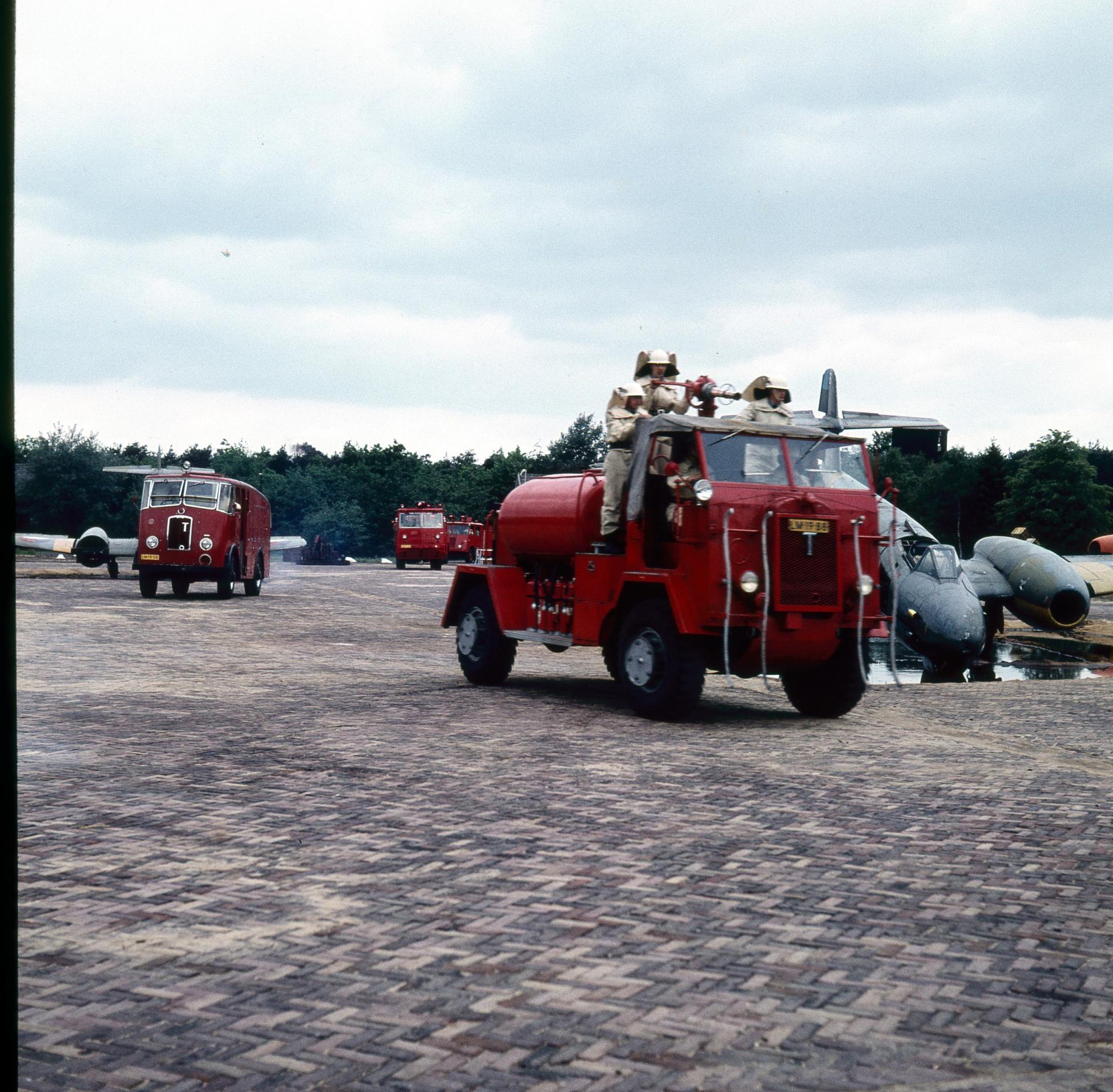 Naam: brandweer070 (Custom).jpg Bekeken: 360 Grootte: 495,5 KB