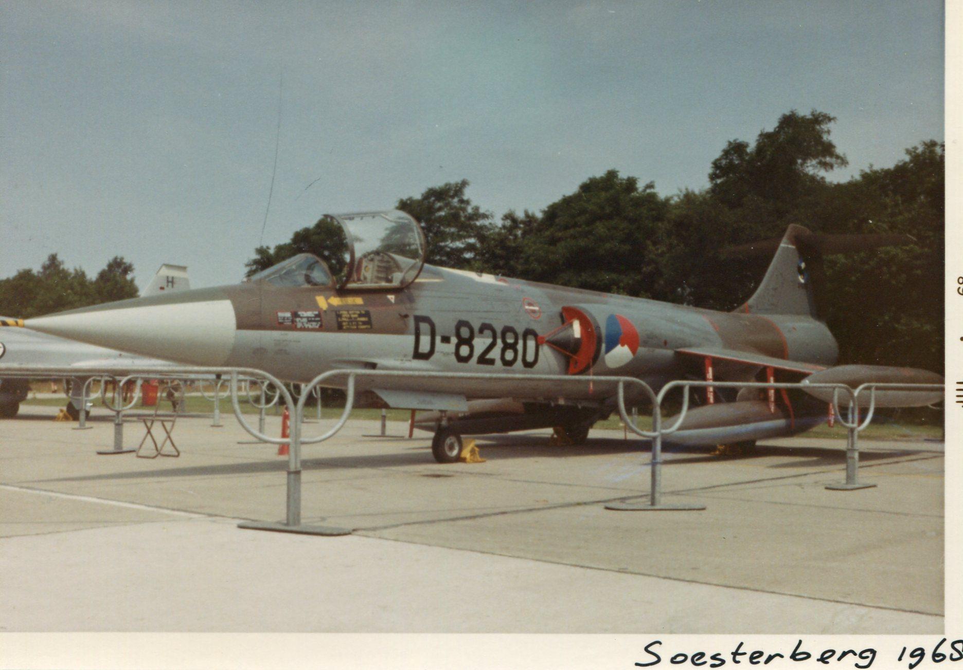 Naam: Soesterberg juli 1968 (2)+.jpg Bekeken: 525 Grootte: 253,7 KB
