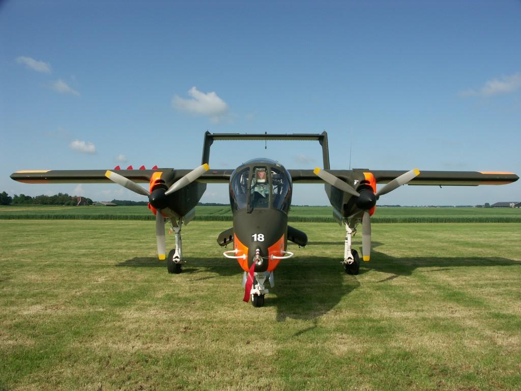 Naam: Rockwell OV-10B Bronco (99+18) G-ONAA (7).jpg Bekeken: 506 Grootte: 180,1 KB