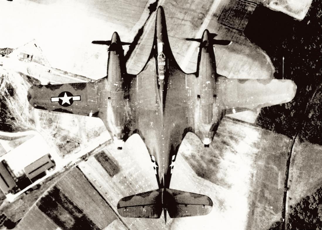 Naam: Foto 629. McDonnell XP-67 Bat (ook wel Moonbat genoemd).jpg Bekeken: 259 Grootte: 129,6 KB