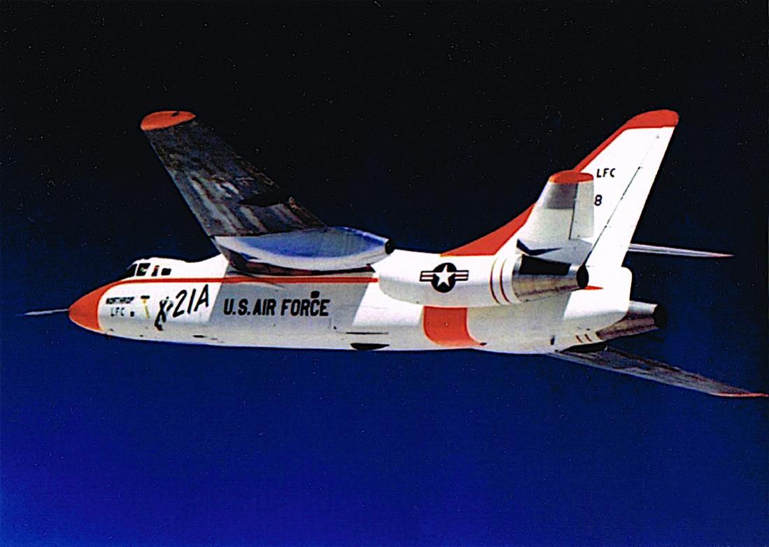 Naam: Foto 634. Northrop X-21A (55-0408), based on the Douglas WB-66D airframe.jpg Bekeken: 140 Grootte: 82,3 KB