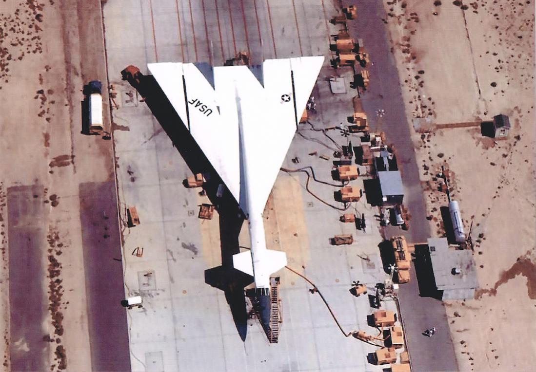 Naam: Foto 635. North American XB-70 Valkyrie.jpg Bekeken: 111 Grootte: 109,5 KB