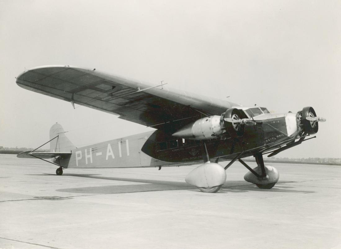 Naam: Foto 350. PH-AII 'Ibis'. Fokker F.XII 1100 breed.jpg Bekeken: 110 Grootte: 57,9 KB