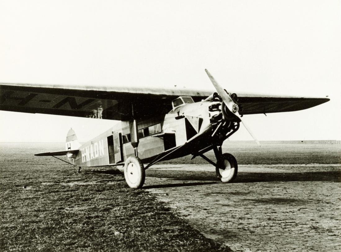 Naam: Foto 351. 'H-NADN'. Fokker F.VIIa. 1100 breed.jpg Bekeken: 80 Grootte: 121,1 KB