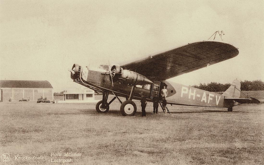 Naam: Kaart 828. Fokker F.XII PH-AFV 'Valk' op Knocke-Zoute. 1100 breed.jpg Bekeken: 41 Grootte: 135,7 KB