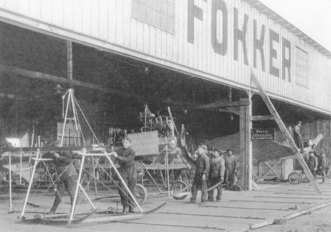 Naam: Kaart 864. Fokker Aeroplanbau te Johannisthal. 1100 breed.jpg Bekeken: 146 Grootte: 121,8 KB