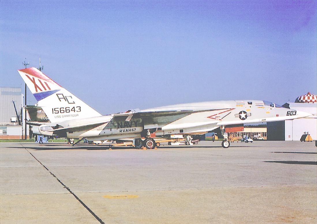 Naam: Foto 819. North American Rockwell RA-5C Vigilante (156643 : 603). US Navy, RVAH-12 'Speartips' (.jpg Bekeken: 109 Grootte: 100,7 KB