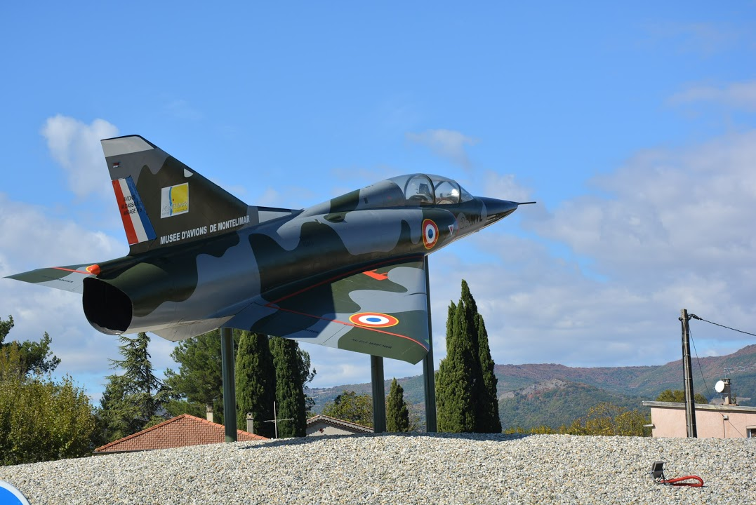 Naam: Mirage 3 - rotonde Montelimar..JPG Bekeken: 74 Grootte: 171,0 KB