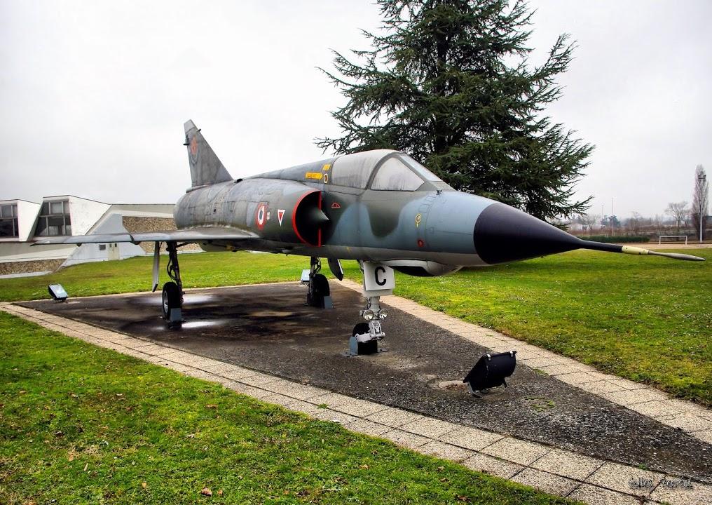 Naam: Mirage 3 - Lyon..jpg Bekeken: 195 Grootte: 270,6 KB
