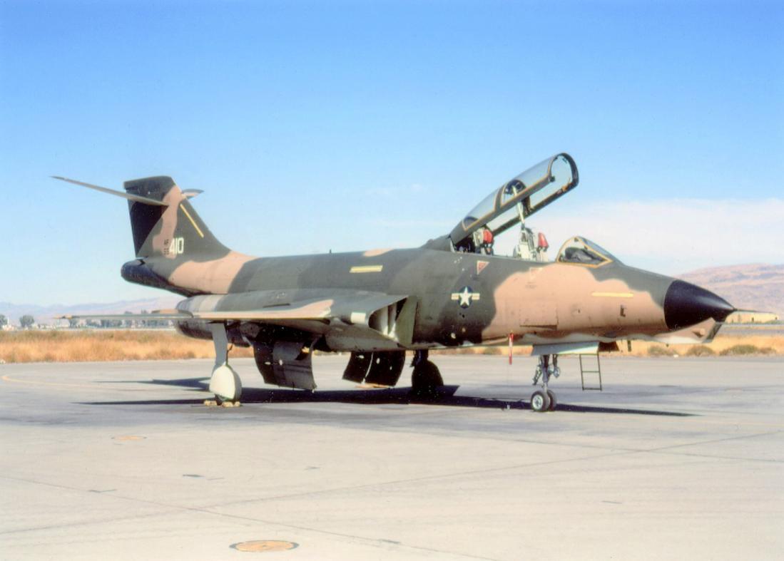 Naam: Foto 758. McDonnell RF-101B Voodoo. 1100 breed.jpg Bekeken: 152 Grootte: 62,4 KB