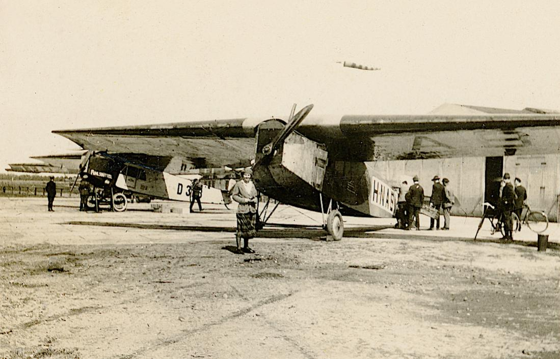Naam: Foto 321. Fokker F.III H-NABI. Foto gecropt boven- en onderzijde.jpg Bekeken: 211 Grootte: 117,6 KB