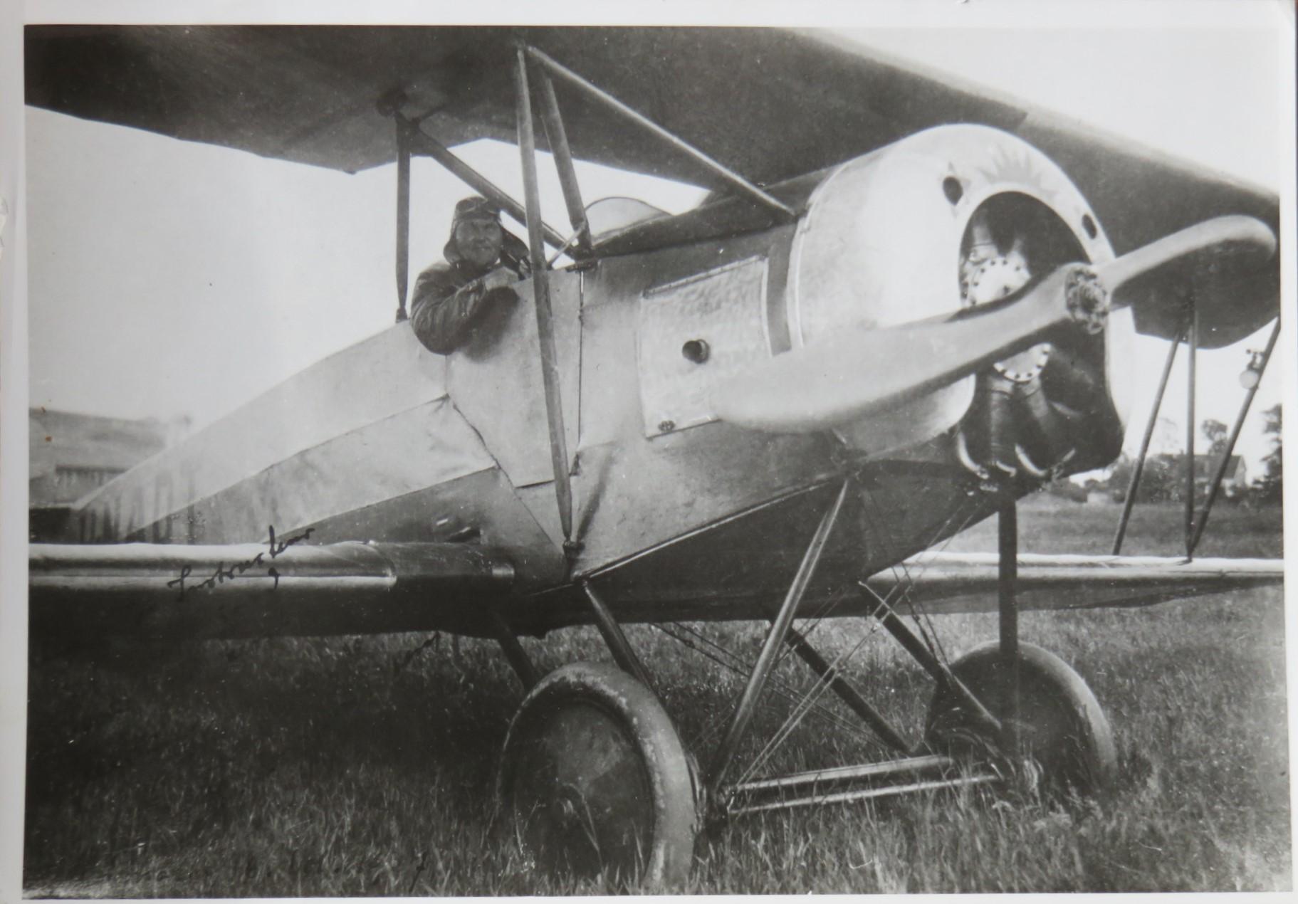 Naam: 1927-02 F S.2x H-NADT 04 1927 feb Av.JPG Bekeken: 112 Grootte: 348,7 KB