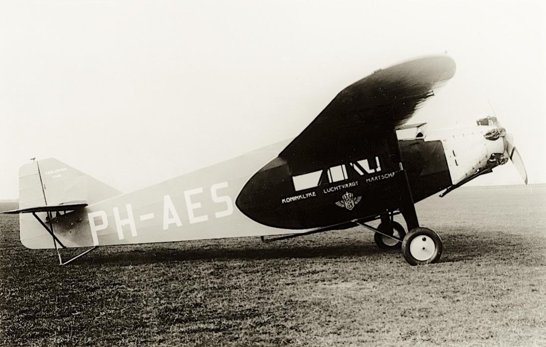 Naam: Foto 223. 'PH-AES'. Koolhoven F.K.40 (c:n 101). Bijnaam 'Piet Haes%22. 1100 breed.jpg Bekeken: 173 Grootte: 104,3 KB