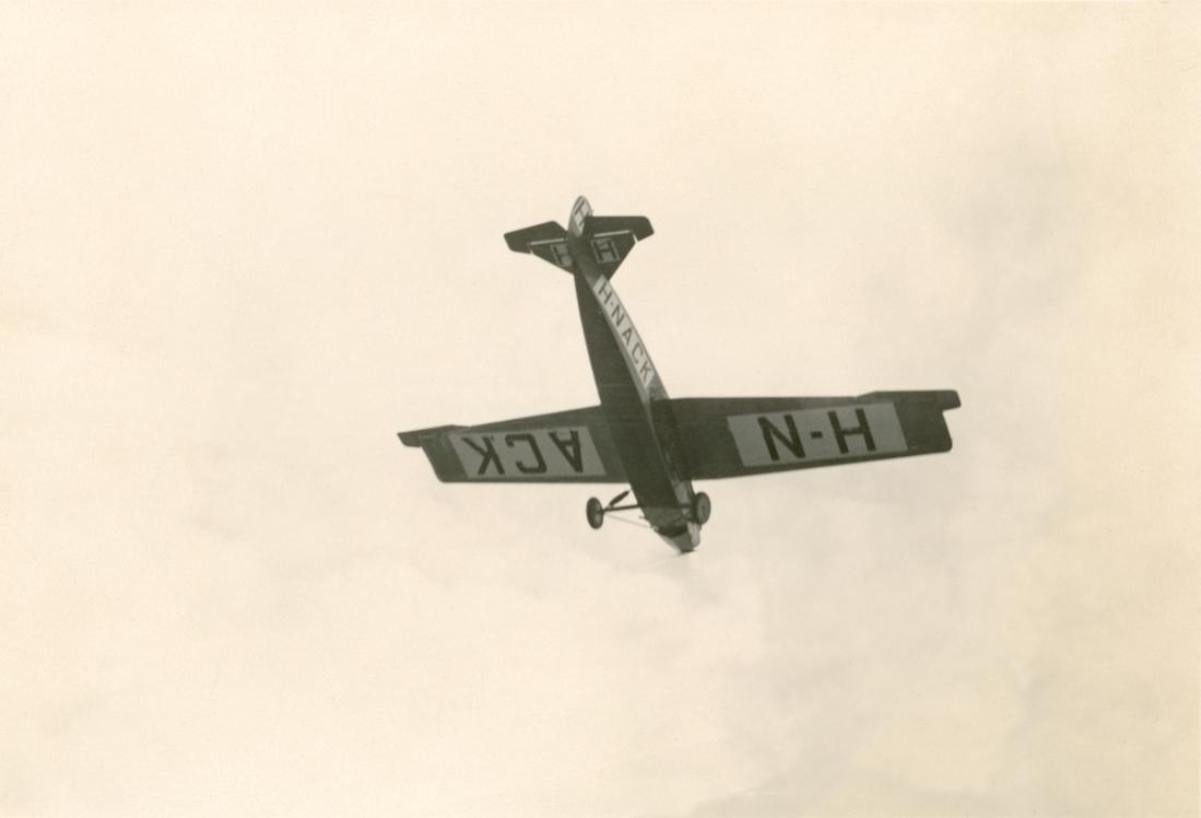 Naam: Foto 224. 'H-NACK'. Fokker F.VII. 1100 breed.jpg Bekeken: 133 Grootte: 32,5 KB