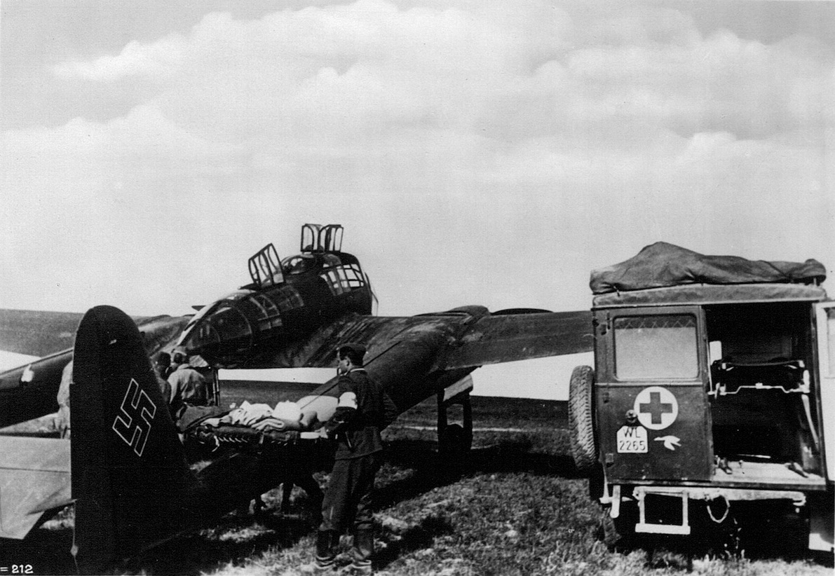 Naam: Fw-189 als ambulancevliegtuig.jpeg Bekeken: 5510 Grootte: 283,5 KB