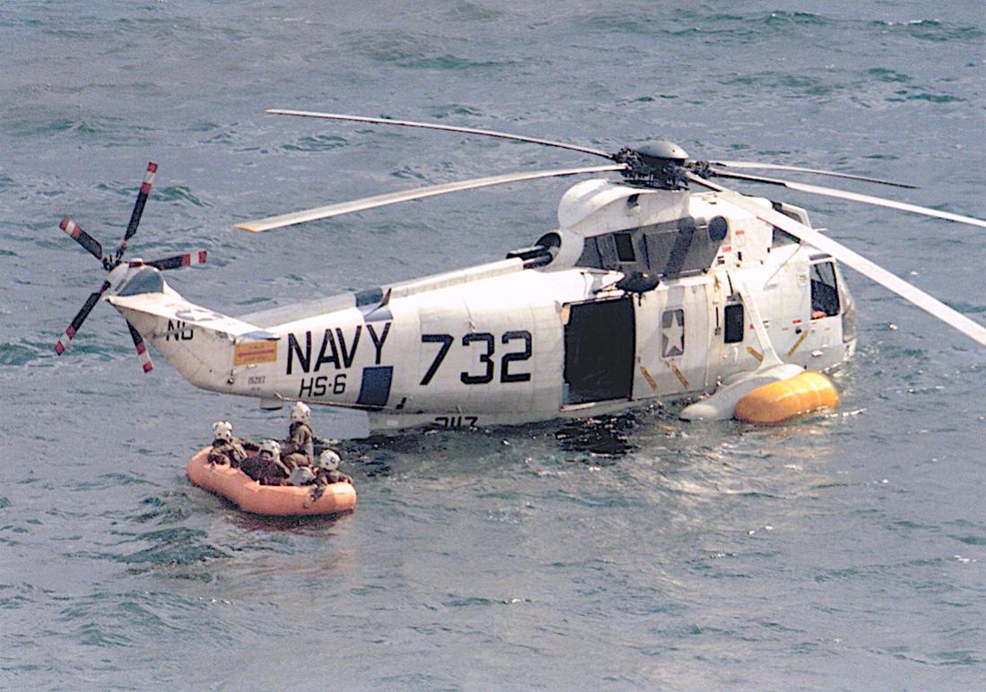 Naam: Foto 685. Sikorsky SH-3A Sea King van squadron HS-6 %22Indians%22. 1100 breed.jpg Bekeken: 268 Grootte: 139,2 KB