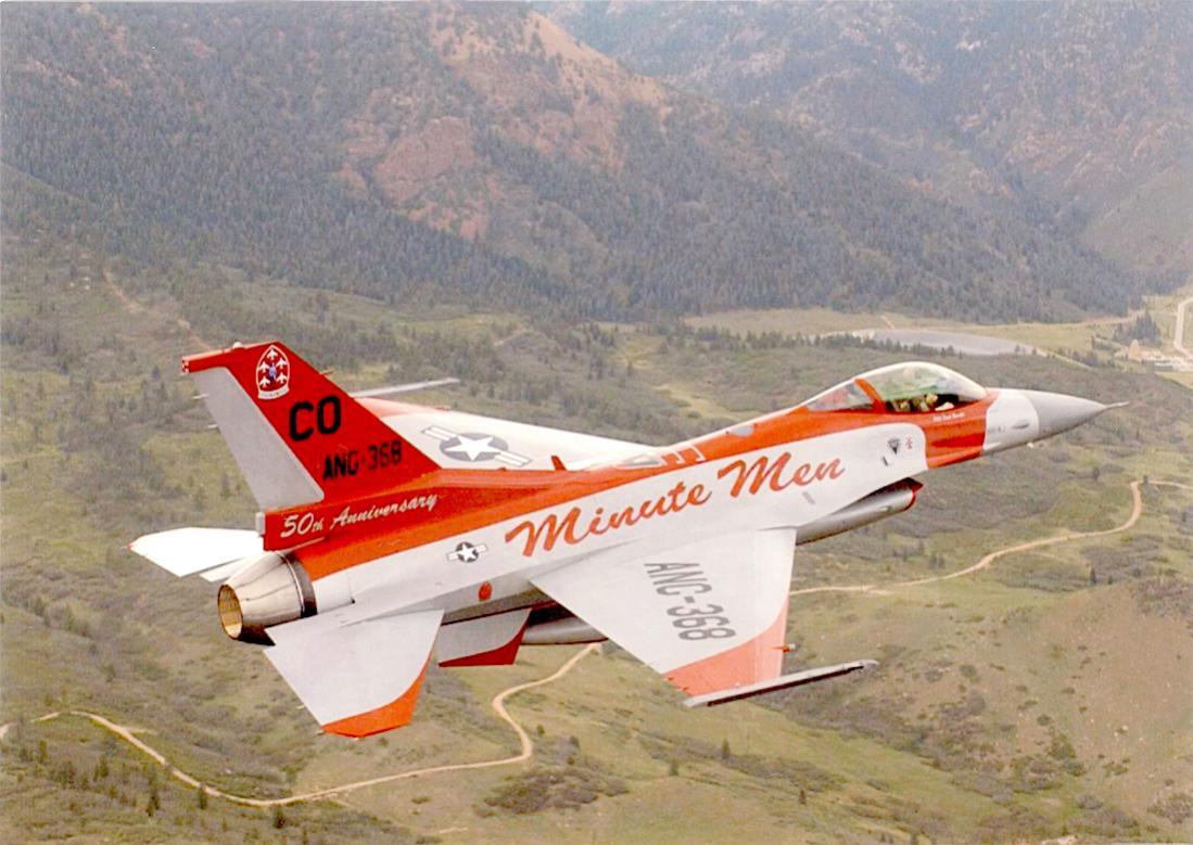 Naam: Foto 689. Fighting Falcon van de 140th Wing Colorado Air National Guard. Beschildering ter vieri.jpg Bekeken: 146 Grootte: 116,5 KB