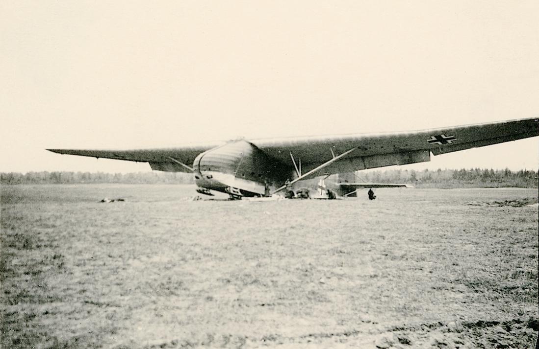 Naam: Foto 557. Messerschmitt Me 321. 1100 breed.jpg Bekeken: 325 Grootte: 94,0 KB