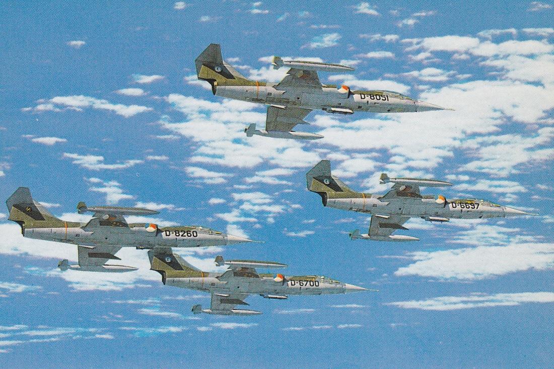 Naam: F-104G formatie (kaart #29).jpg Bekeken: 160 Grootte: 428,8 KB