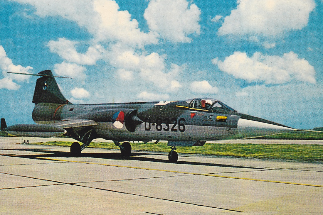 Naam: F-104G D-8326 (kaart #13).jpg Bekeken: 139 Grootte: 423,6 KB