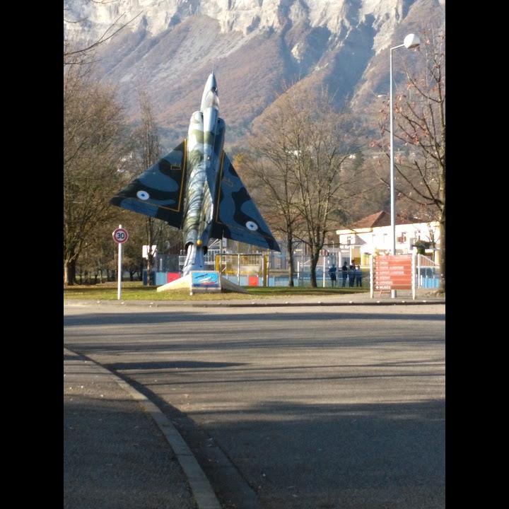 Naam: Mirage 3 - Montbonnot-Saint-Martin..jpg Bekeken: 109 Grootte: 123,4 KB