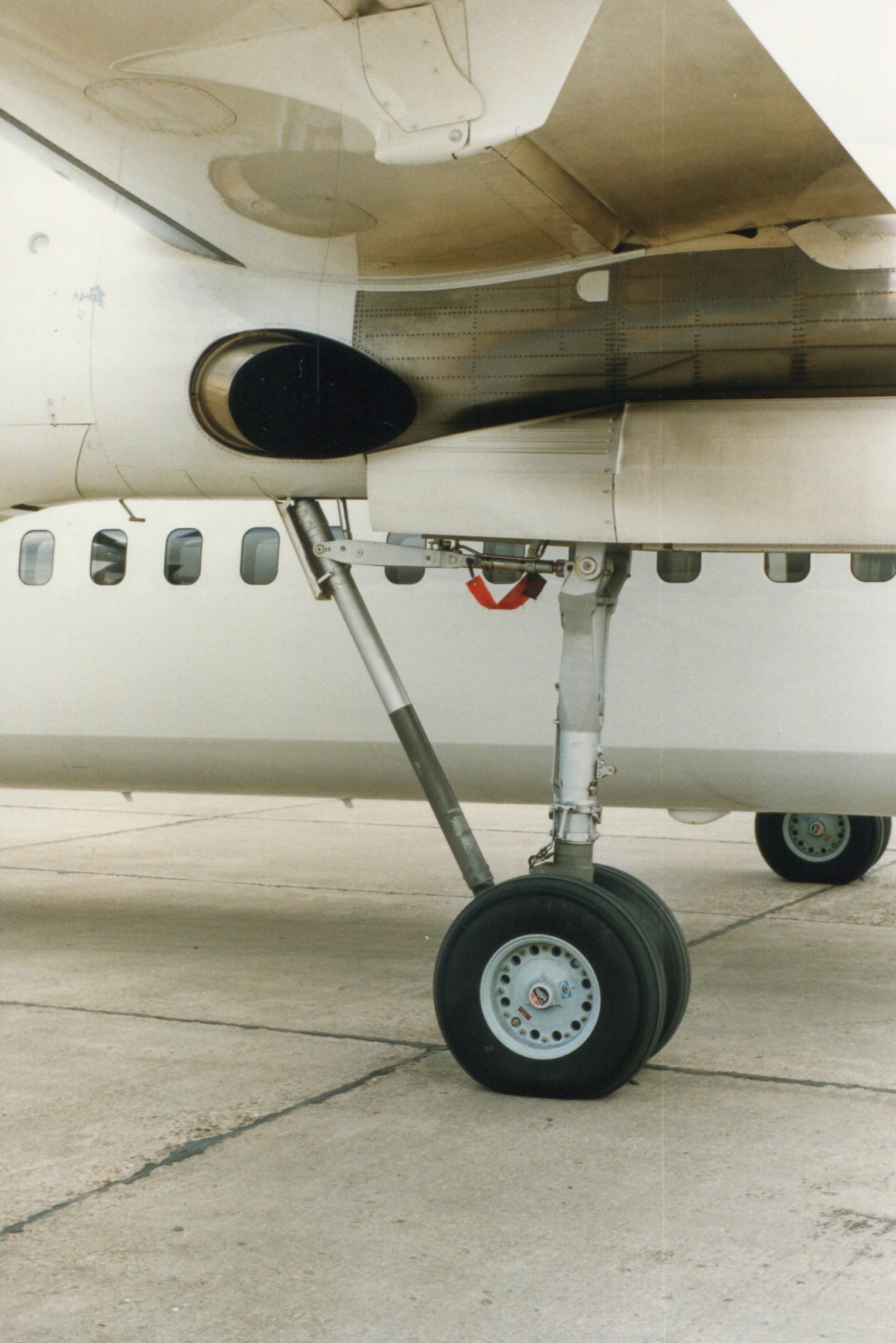 Naam: Fokker 50  juni 1987 (5).jpg Bekeken: 110 Grootte: 429,7 KB