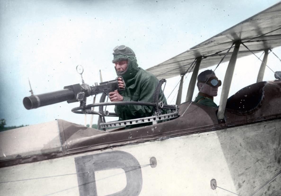 Naam: Captain William A. Bishop, V.C., Royal Flying Corps Canada, copy.jpg Bekeken: 346 Grootte: 465,9 KB
