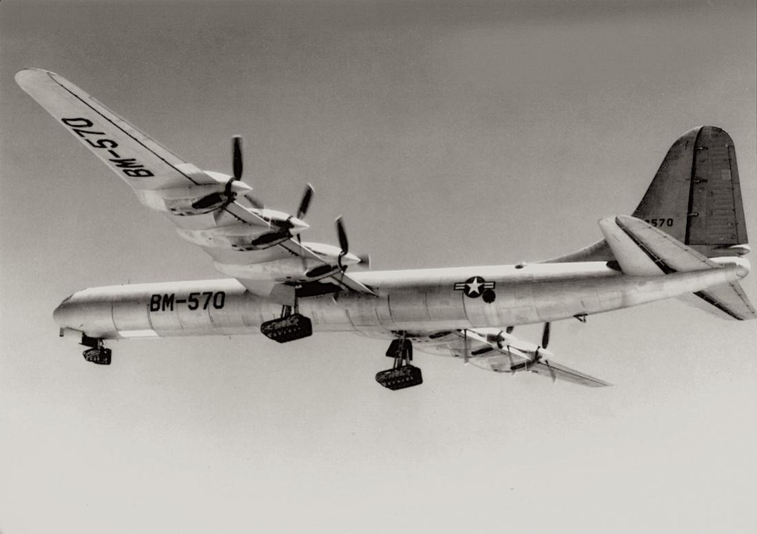Naam: Foto 588. Convair B-36 met experimenteel landingsgestel, kopie 1100.jpg Bekeken: 225 Grootte: 65,2 KB