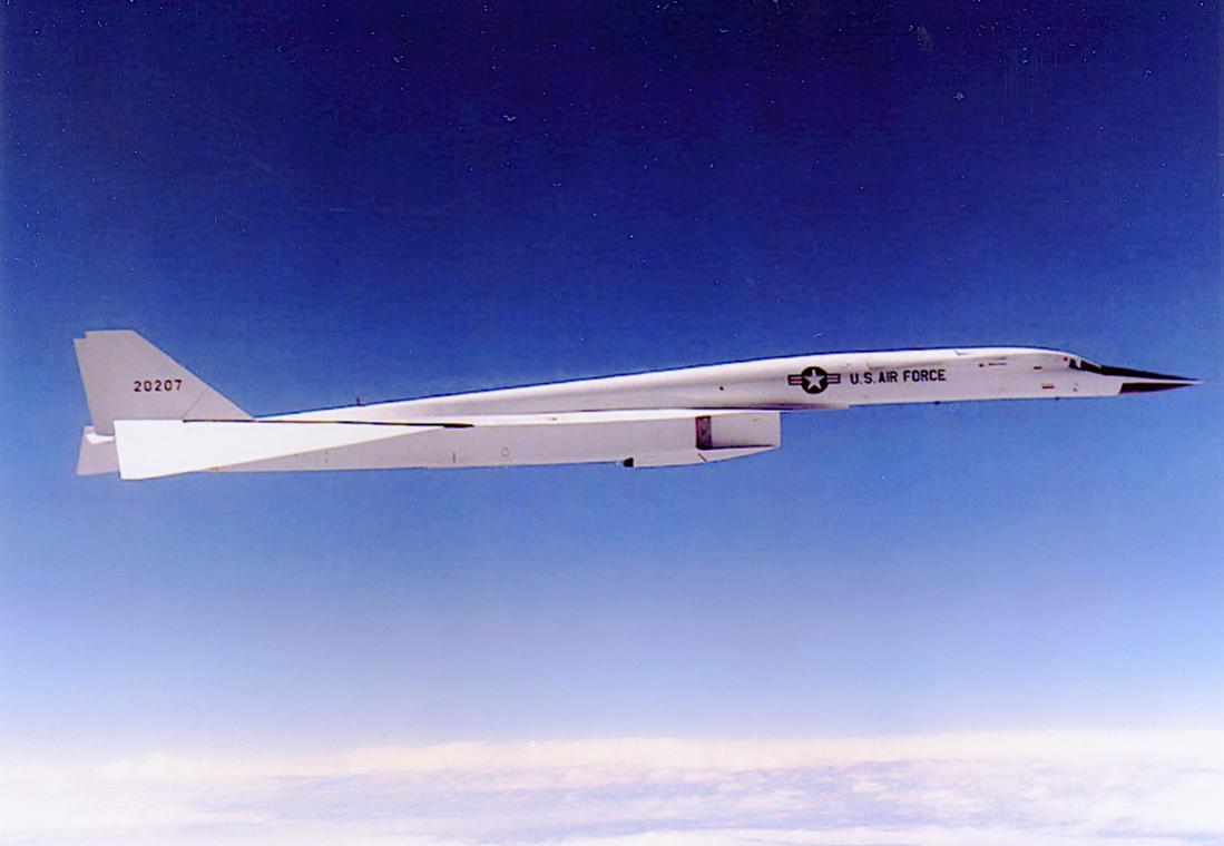Naam: Foto 707. North American XB-70 Valkyrie. 1100 breed.jpg Bekeken: 329 Grootte: 61,2 KB