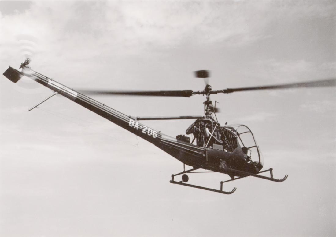 Naam: Foto 219. '8A-206'. Hiller UH-12, OH-23 'Raven' van 298 Squadron. 1100 breed.jpg Bekeken: 152 Grootte: 45,3 KB
