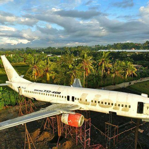 Naam: Boeing 737-400 , Blahbatuh, Bali.jpg Bekeken: 587 Grootte: 57,6 KB