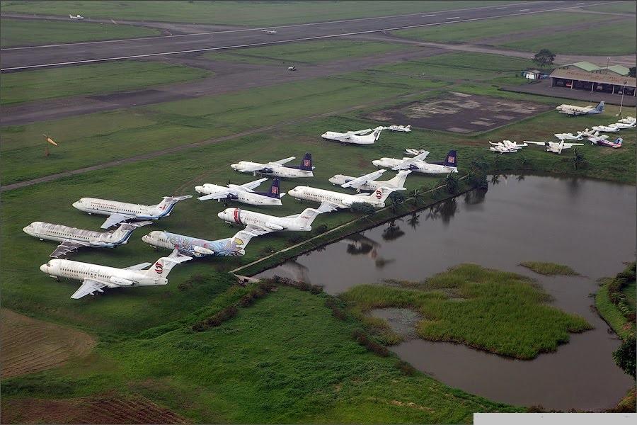 Naam: Halim airport , Jakarta..jpg Bekeken: 324 Grootte: 190,5 KB