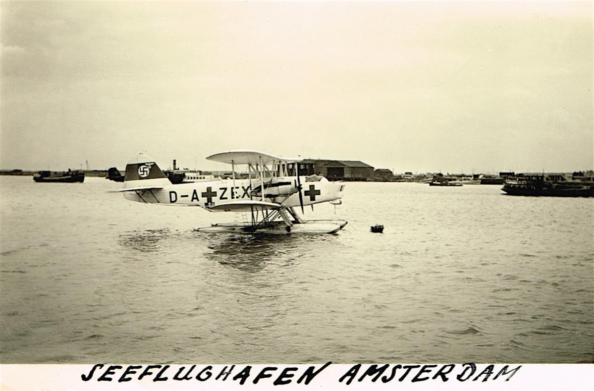 Naam: Foto 373. Luftwaffe, Flugzeug, D-A+ZEX, Seeflughafen Amsterdam (Schellingwoude), 600, kopie.jpg Bekeken: 501 Grootte: 108,5 KB