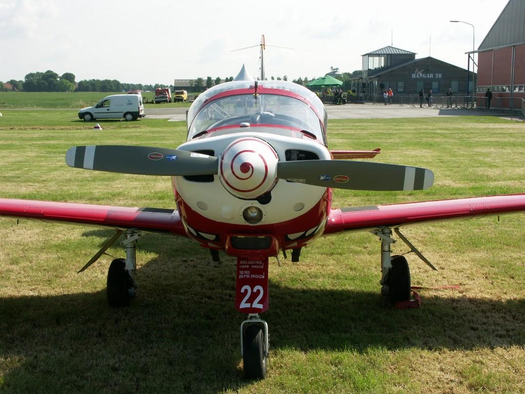 Naam: SIAI-Marchetti SF.260M ST-22 (1).jpg Bekeken: 557 Grootte: 224,6 KB