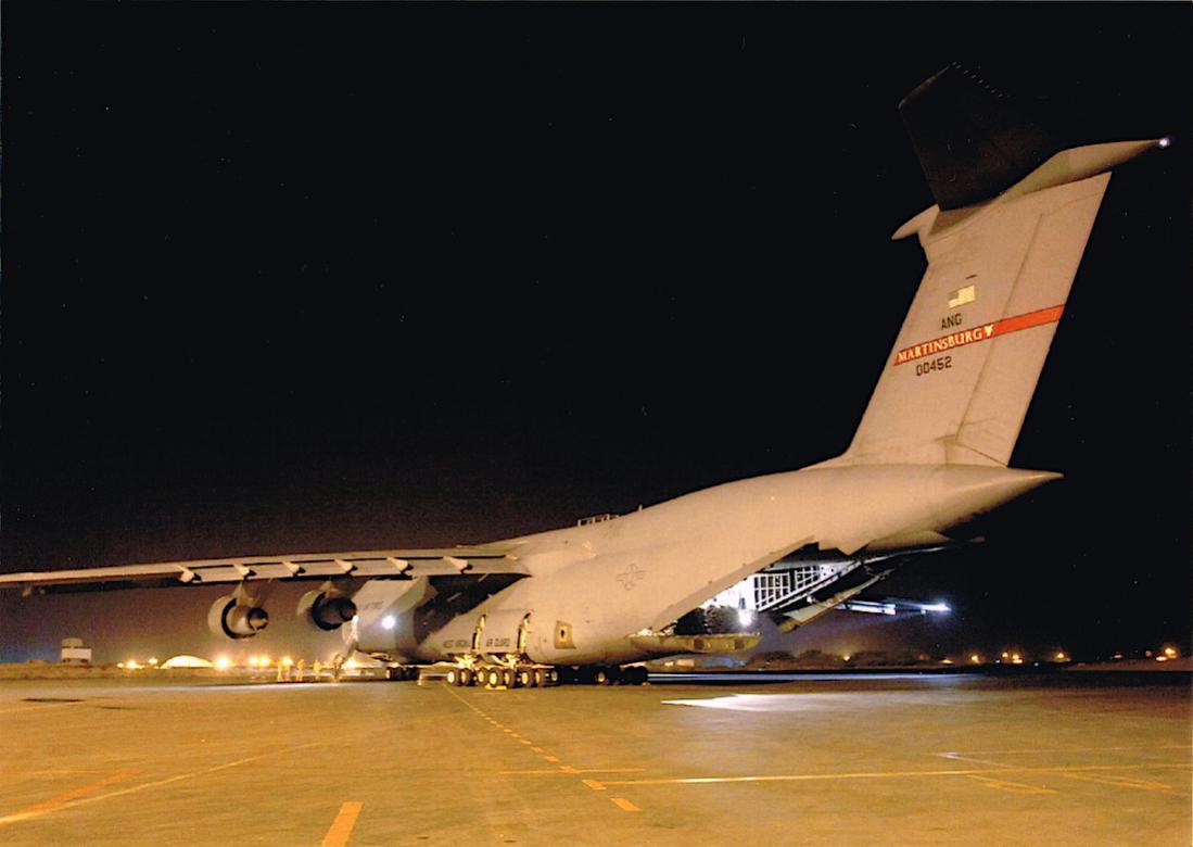 Naam: Foto 660. 70-0452 : 00452. Lockheed C-5A Galaxy. 1100 breed.jpg Bekeken: 34 Grootte: 66,0 KB