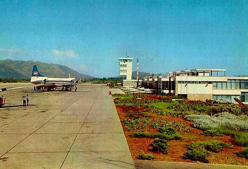 Naam: JAT Convair Zagreb.jpg Bekeken: 398 Grootte: 38,1 KB