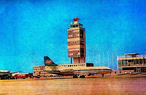 Naam: Belgrade_Airport_1960s.jpg Bekeken: 406 Grootte: 43,0 KB