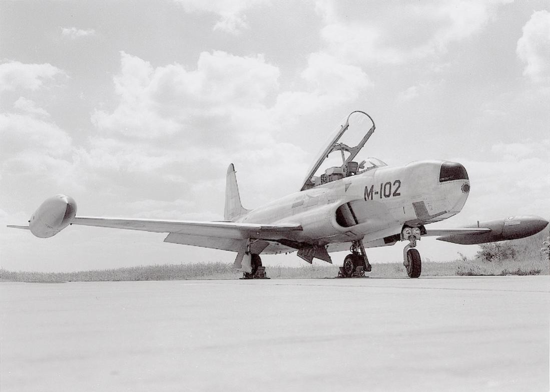 Naam: Foto 178. 'M-102'. Lockheed RT-33A van 306 Squadron. 1100 breed.jpg Bekeken: 347 Grootte: 67,5 KB